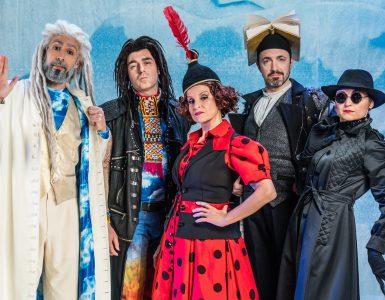 Salutiamo Firenze e il calorosissimo pubblico del Teatro Puccini con questa bella recensione! Ci…