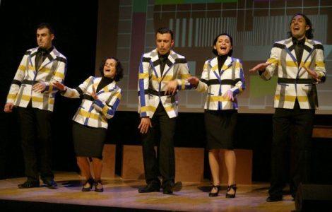 Amici! Esattamente dieci anni fa si aprivano per noi le porte del Teatro Franco…