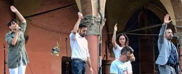 Festa del teatro bolognese in piazza Verdi a Bologna! C'eravamo anche noi col nostro…